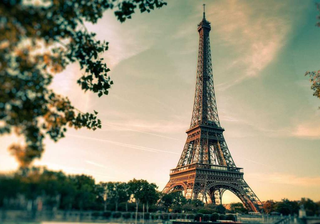 pb-eiffel-tower- 1280x720