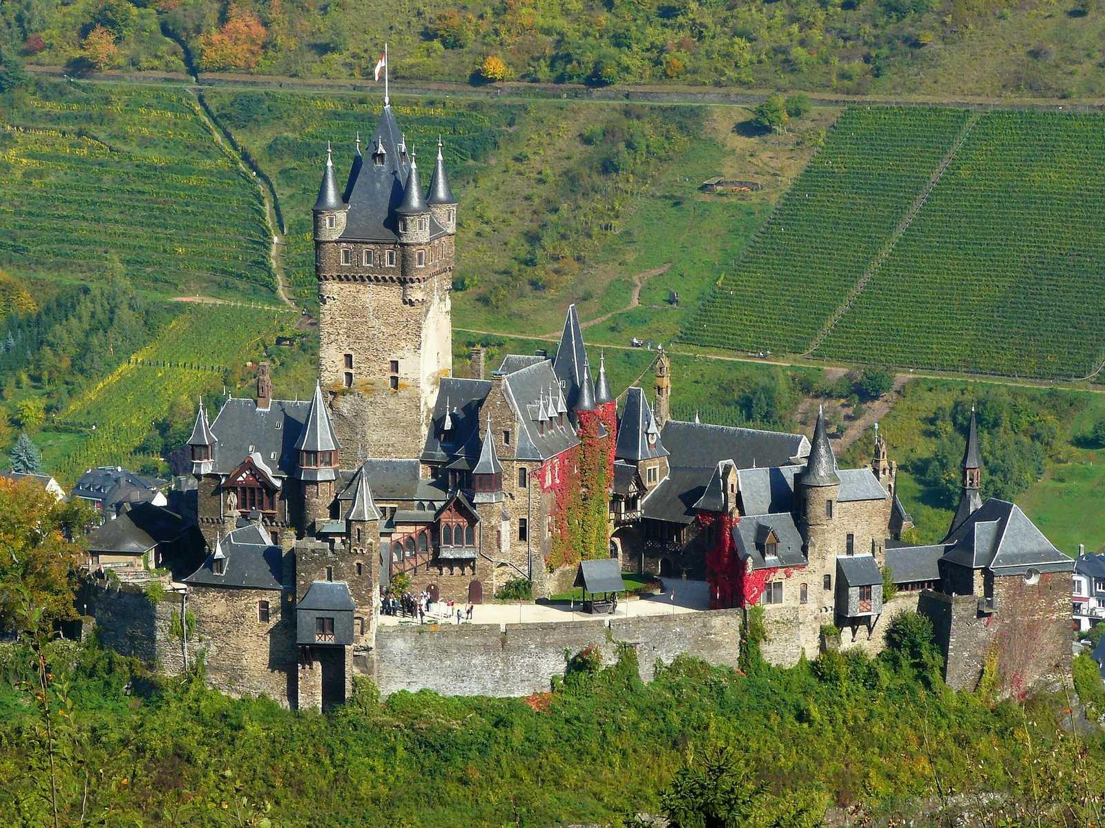 cocoparisienne-mosel-castle-vineyards-event-2808141600x