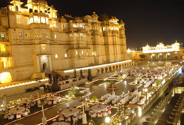 grand-receptions-manekchowk-thecity-palace-complex-625x425