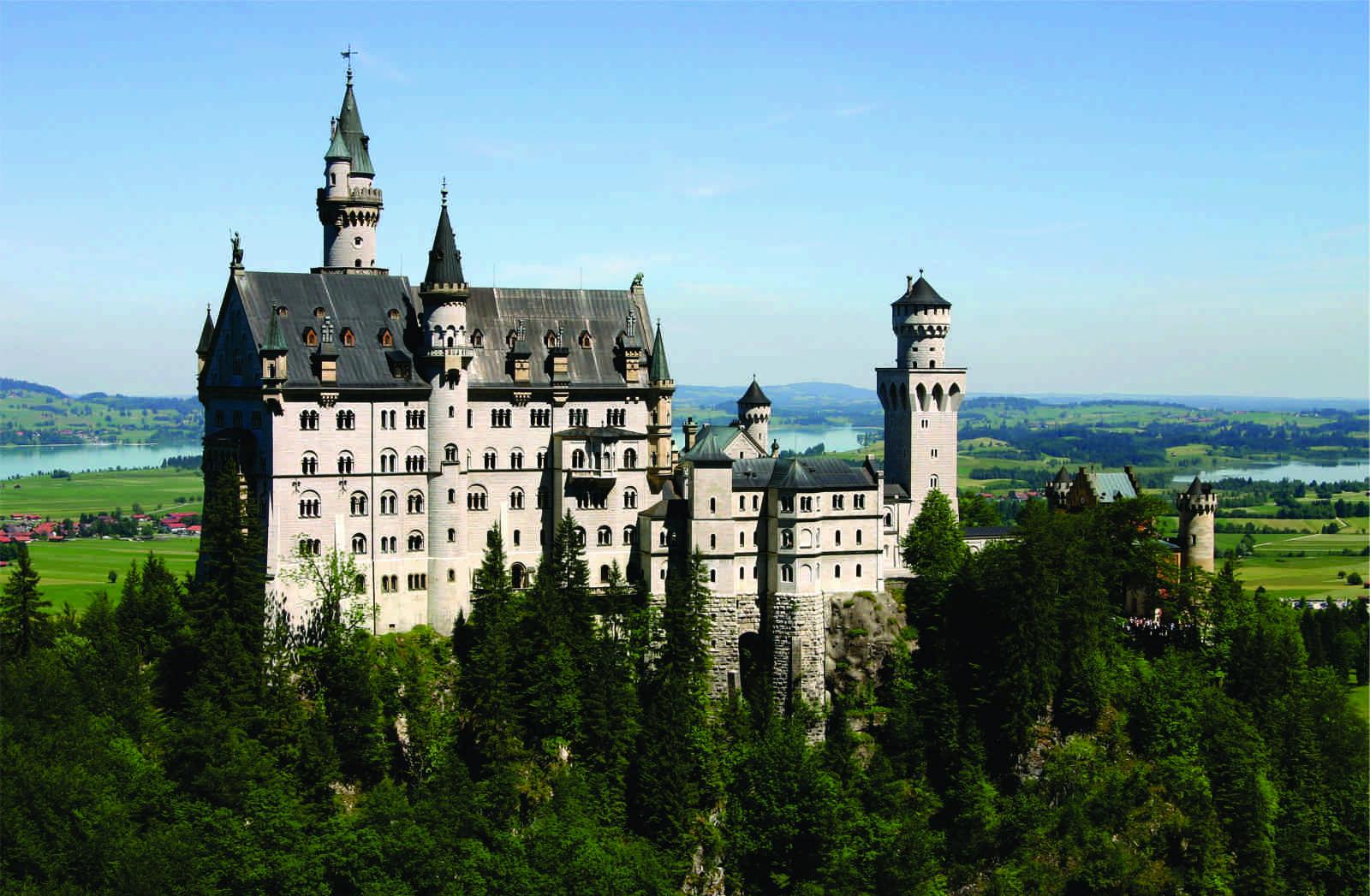 neuschwanstein-castle-1-1600x
