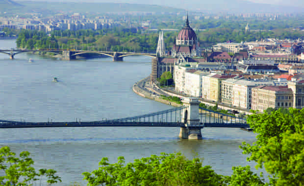 B2B River Cruise Programs For Professional Groups